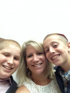 boys and mom